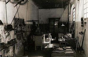 Escuela de arte de Motril, bachillerato de arte, ciclos de grado superior de cerámica artística, fotografía artística, MODELISMO DE INDUMENTARIA, PROYECTOS Y DIRECCIÓN DE OBRAS DE DECORACIÓN y CICLO FORMATIVO DE GRADO MEDIO TAPICES Y ALFOMBRAS.